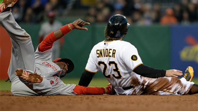 Reds Past Pirates 5-2