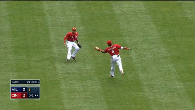 Terrific Catch by Brandon Phillips