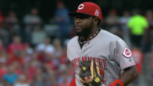 Brandon Phillips reacts quickly and catches a screaming line drive off the bat of Jason Heyward to end the bottom of the 1st.